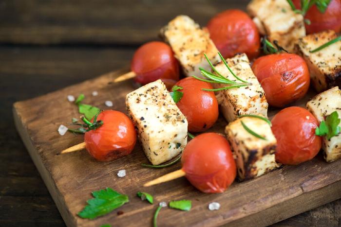 brocheta-de-tomate-al-horno