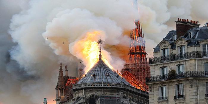 Notre-Dame-incendio-2