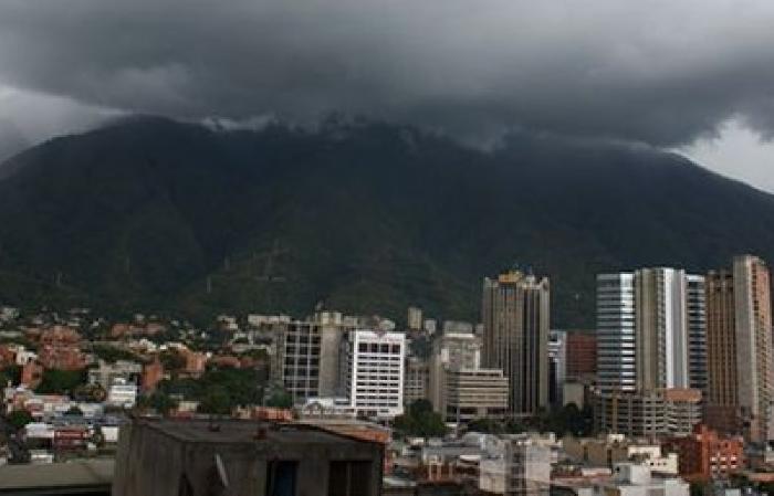 mirada-Caracas-nubosidad-Foto-Twitter_NACIMA20140920_0011_20